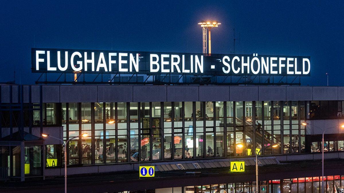 فرودگاه شونفیلد برلین
