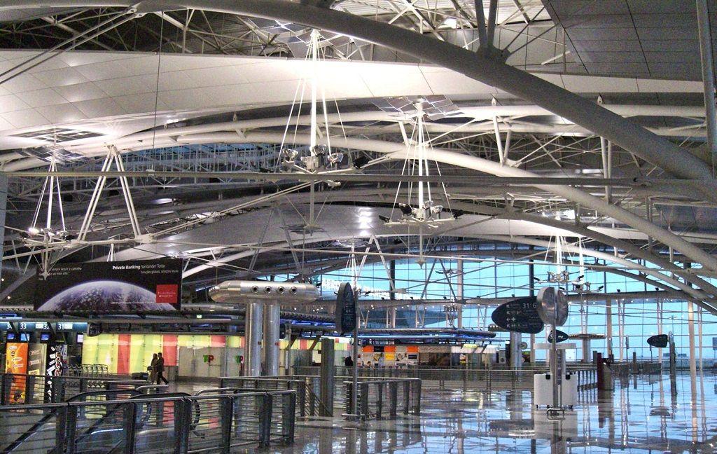 فرودگاه پورتو