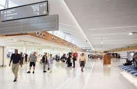 نمایی از فرودگاه آدلاید استرالیا