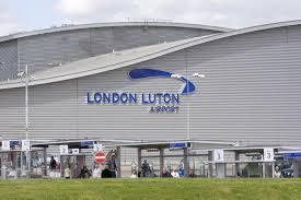 نمایی از فرودگاه لوتون لندن