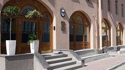 هتل 3 موستا سنت پترزبورگ