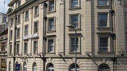 قیمت و رزرو هتل در لیدز انگلستان و دریافت واچر