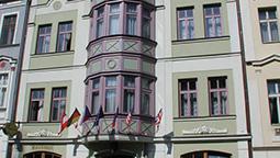 هتل دربی کارلووی واری