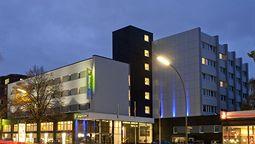 قیمت و رزرو هتل در هامبورگ آلمان و دریافت واچر