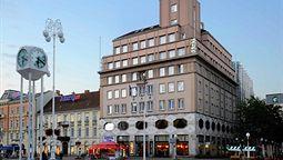هتل دوبرونیک زاگرب