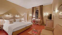 هتل اکسلسیور مونیخ