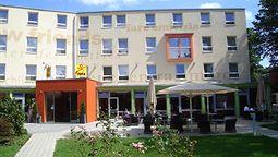 قیمت و رزرو هتل در سالزبورگ اتریش و دریافت واچر