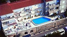 هتل کومودور دوبرونیک