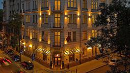 قیمت و رزرو هتل در ورشو لهستان و دریافت واچر