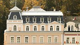 هتل هومبولدت کارلووی واری