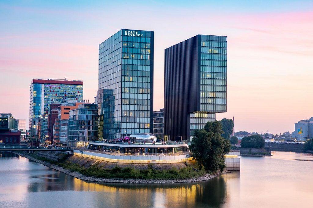 هتل هیات رجنسی دوسلدورف - خرید بلیط هتل در دوسلدورف