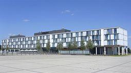 قیمت و رزرو هتل در برمن آلمان و دریافت واچر