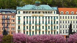 اینتر هتل سنترال کارلووی واری
