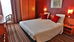 هتل لئوناردو شارلروا
