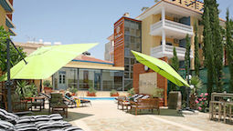 هتل سنت النا لارناکا