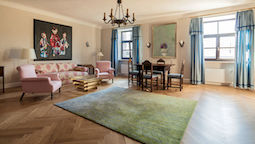 قیمت و رزرو هتل در گراتس اتریش و دریافت واچر