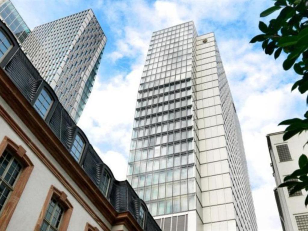 هتل جمیرا فرانکفورت - ارزانترین هتل 5 ستاره فرانکفورت