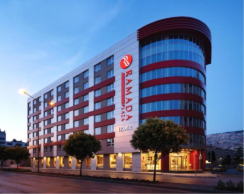 هتل رامادا پلازا ازمیر - هتل ازمیر در مرکز شهر