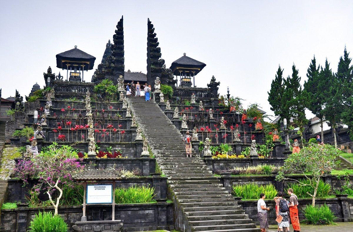 بهترین قیمت پروازهای اندونزی - معبد بساکی اندونزی Besakih Temple :