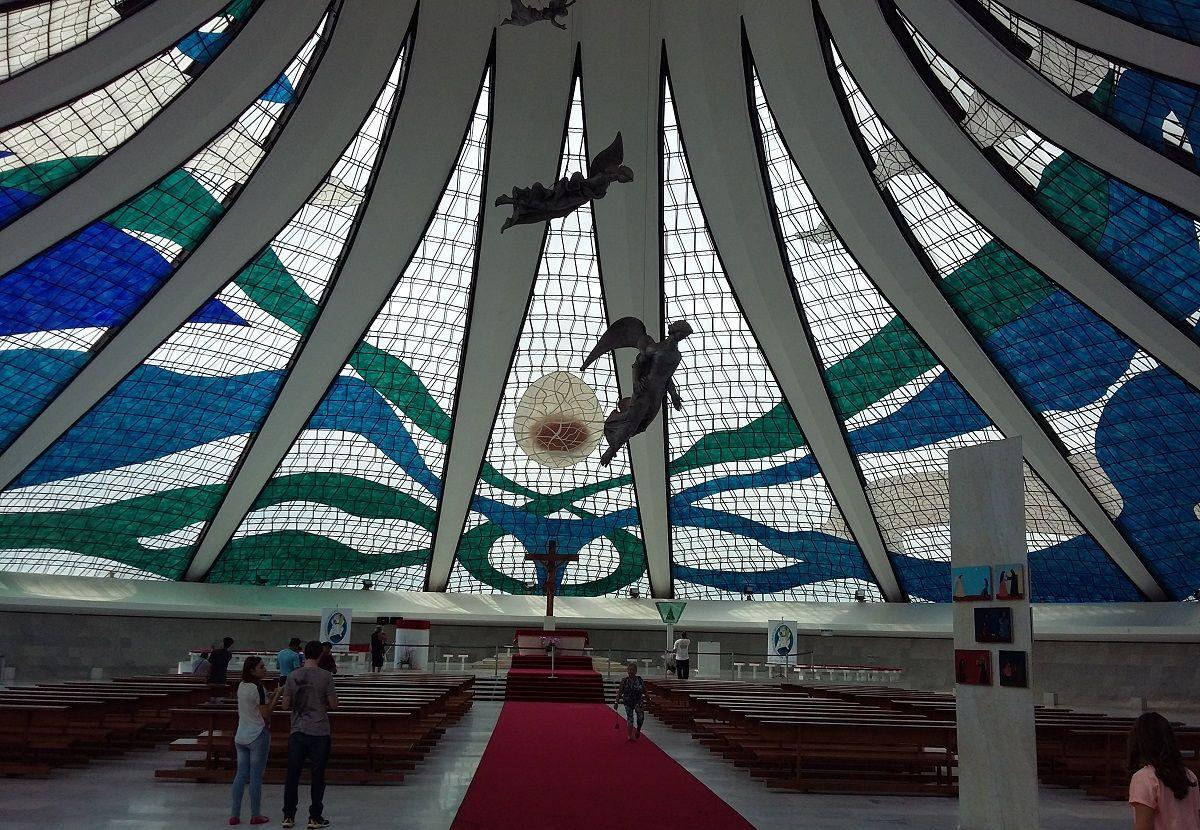 کلیسای جامع برزیل Cathedral of Brasilia- هزینه سفر هوایی به برزیل