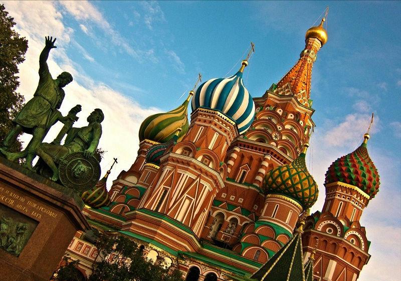 کلیسای جامع سنت باسیل روسیه و  پرواز مستقیم به روسیه
