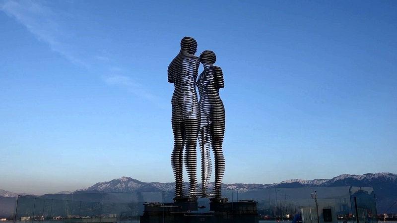 تندیس علی و نینو گرجستان Monument Ali & Nino
