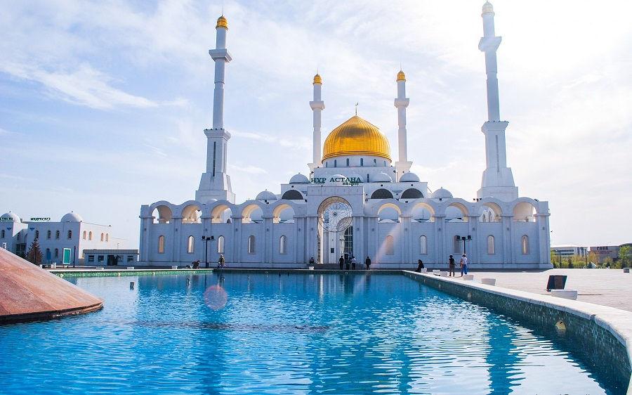مسجد نور آستانه قزاقستان Nur-Astana Mosque