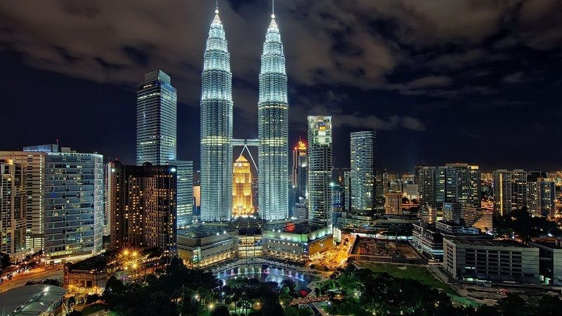 برج های دوقولوی پتروناس مالزی - خرید اینترنتی بلیط هواپیما مالزی