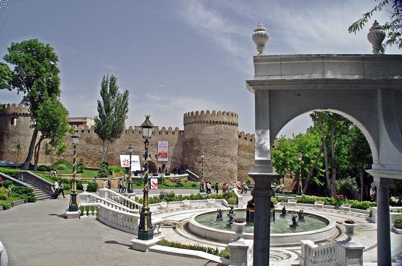 باغ فیلارمونیک آذربایجان Philarmonic Garden