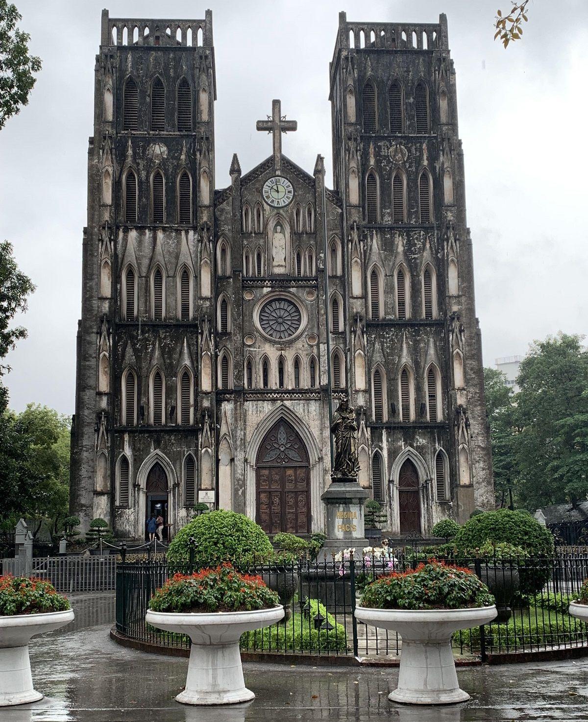 کلیسای جامع سنت جوزف St. Joseph's Cathedral- هزینه سفر هوایی به ویتنام