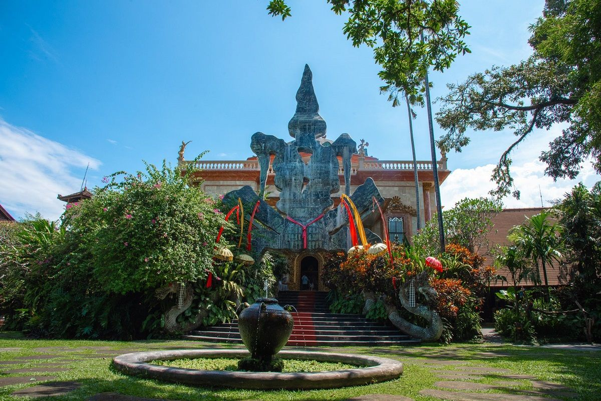پروازهای مستقیم اندونزی - موزه رنسانس بلانکو اندونزی The Blanco Renaissance Museum