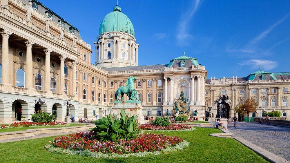 قلعه بودا مجارستان Buda Castle - رزرو اینترنتی بلیط هواپیما به مجارستان