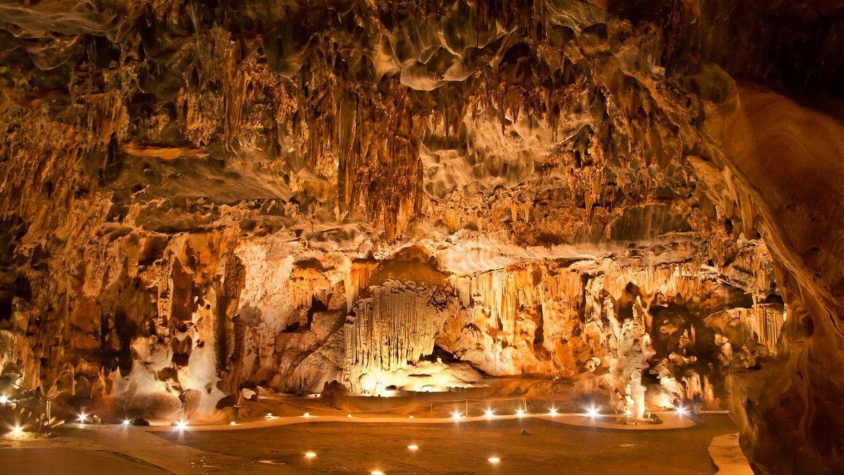 غارهای کنگو آفریقای جنوبی Cango Caves- روزها و برنامه پروازهای مستقیم آفریقای جنوبی