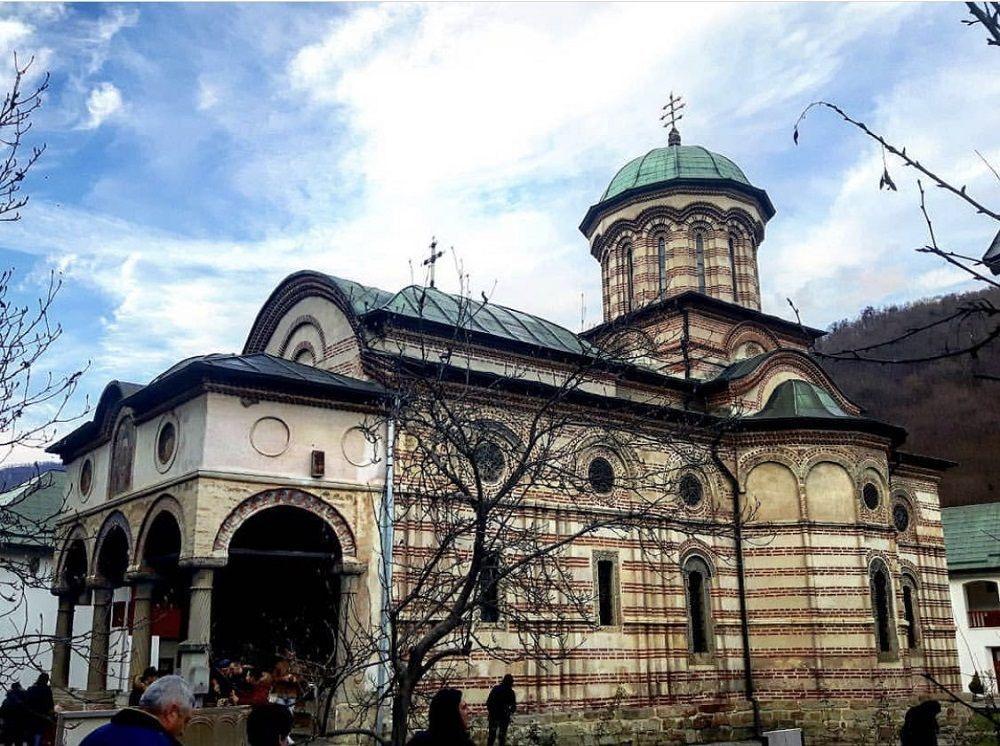صومعه کوزیا رومانی Cozia Monastery - ارزانترین قیمت بلیط رومانی
