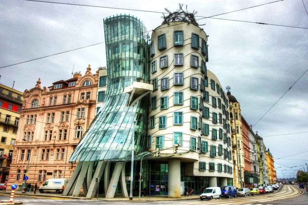 خانه رقصان جمهوری چک Dancing House - رزرو اینترنتی پروازهای جمهوری چک