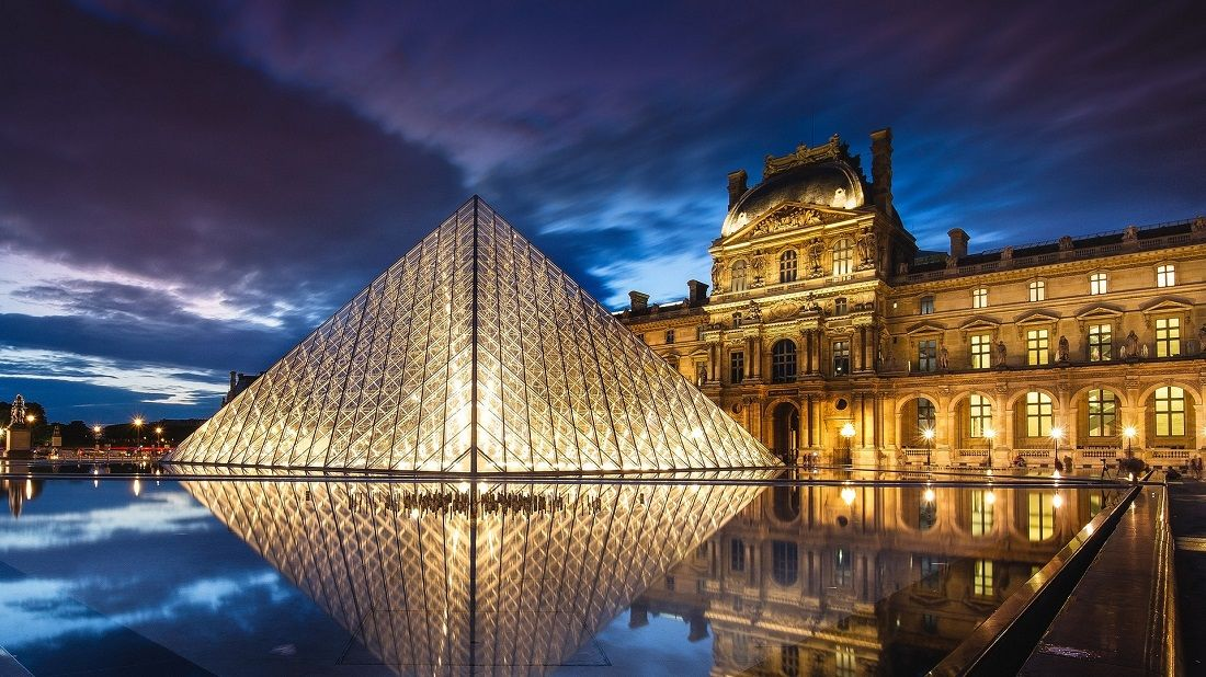 هرم لوور Louvre Pyramid - بلیط چارتر فرانسه