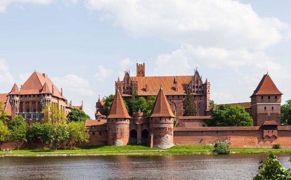 بهترین قیمت پروازهای لهستان - قلعه مالبورک لهستان Malbork Castle