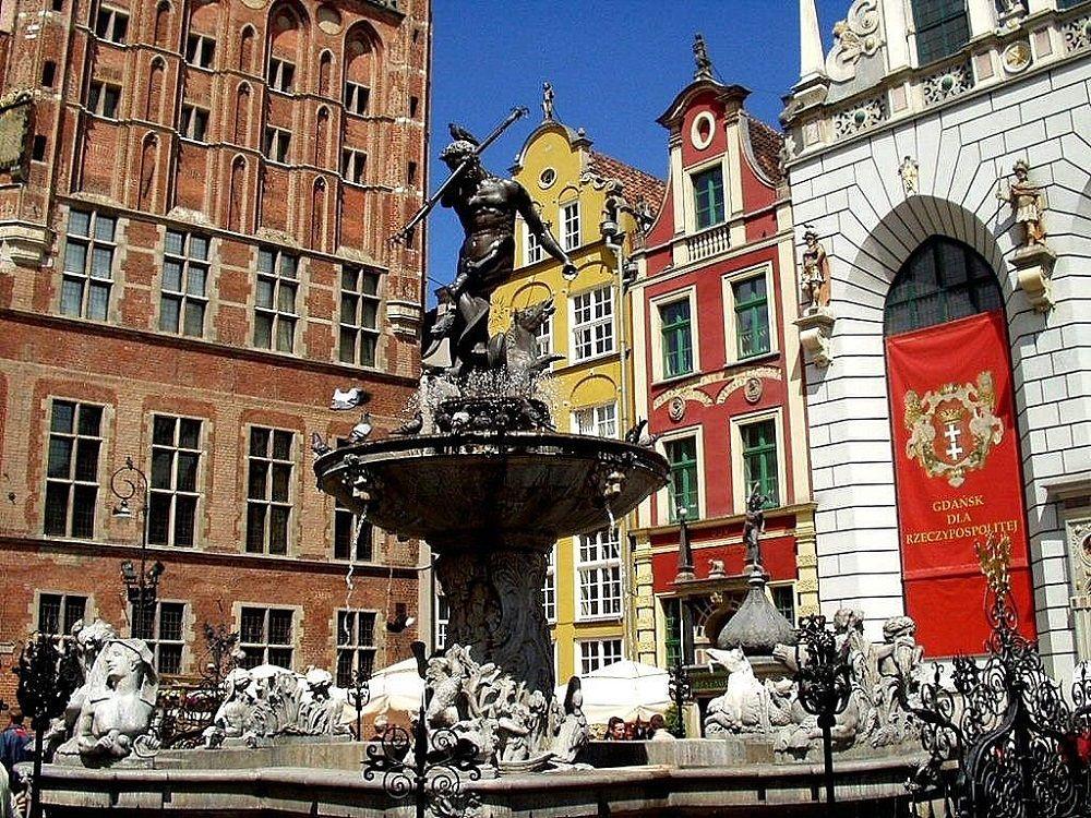 مبلغ بلیط ارزان لهستان - چشمه نپتون Neptune's Fountain