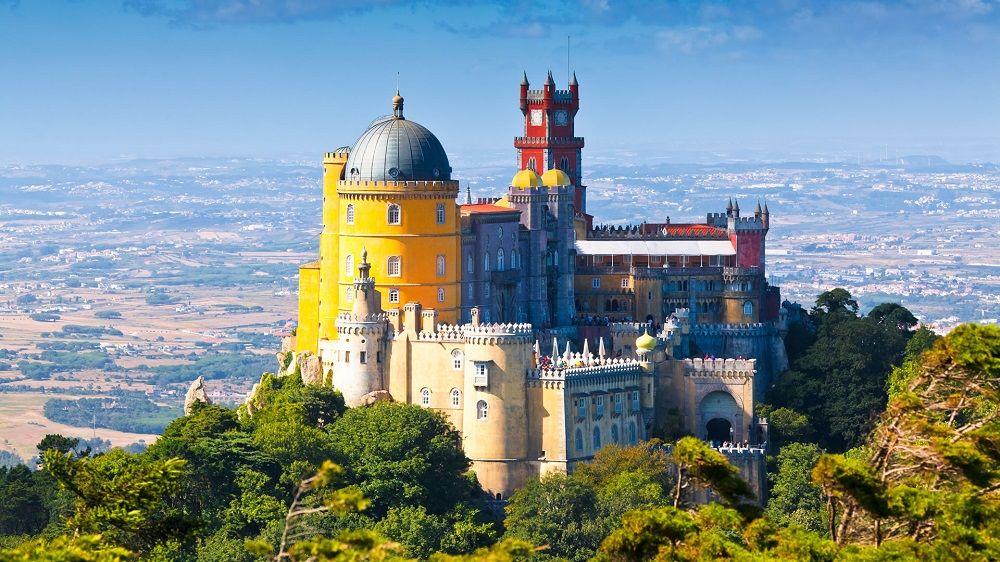 رزرو بلیط هواپیما پرتغال - کاخ و پارک ملی پنا پرتغال Park and National Palace of Pena