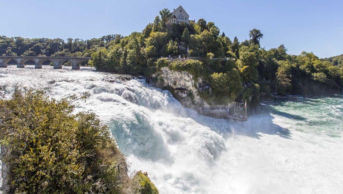 آبشارهای ترومباخ Trombach Waterfalls - ارزانترین پروازهای تهران سوئیس