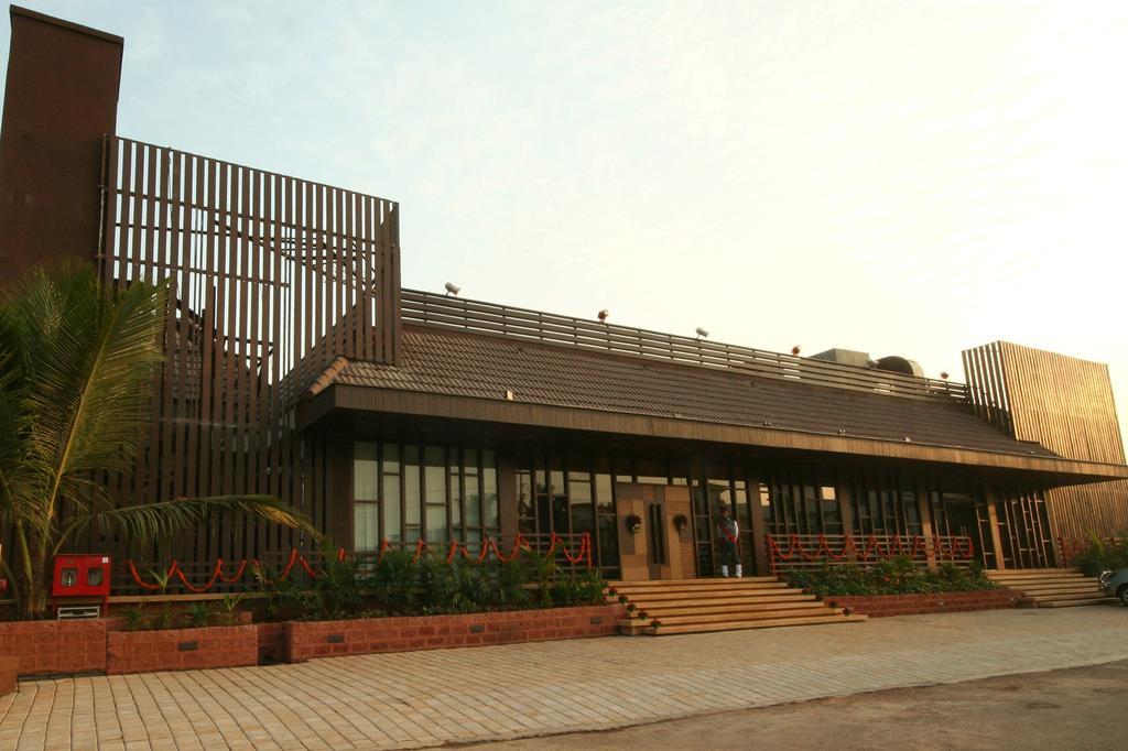 هتل گلدن کرون گوا - نرخ هتل های گوا