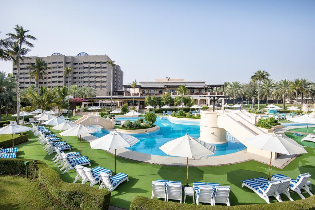 هتل اینترکونتینتال مسقط intercontinental muscat hotel - لیست بهترین هتل های رو به دریا در مسقط عمان