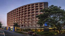 قیمت و رزرو هتل در پورتمورسبی پاپواگینهنو و دریافت واچر