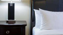 هتل کپیتال یلونایف نورت وست کانادا