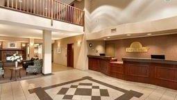 هتل دیز این نورت تاندر بی اونتاریو کانادا