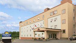 هتل دیز این یلونایف نورت وست کانادا