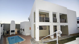 هتل دیسکاوری ویندهوک نامیبیا