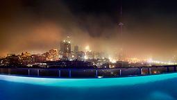 هتل تامپسون تورنتو اونتاریو کانادا