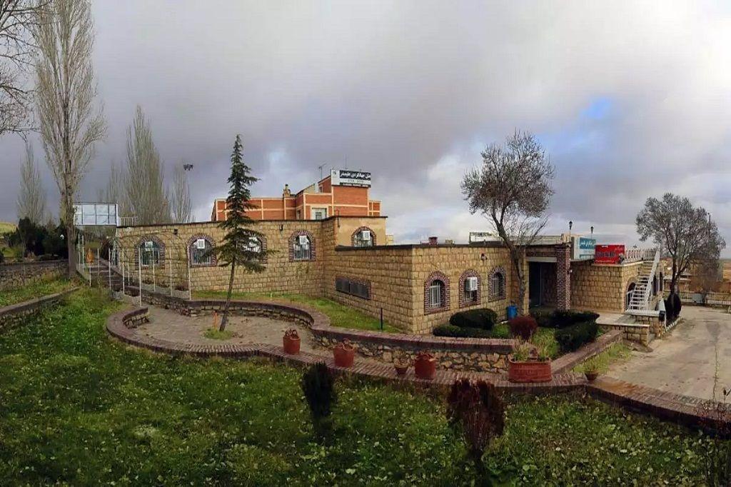 هتل جهانگردی علیصدر همدان - هتل ارزان همدان