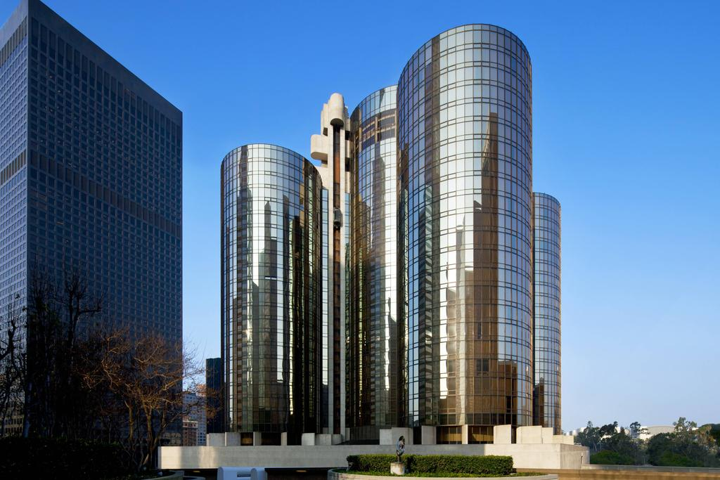 هتل د وستین بوناونچر اند سوئیتس لس آنجلس - هزینه اقامت در لس آنجلس